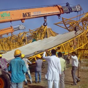 may-2013_mass-erection-of-the-frames-has-started_8969497177_o